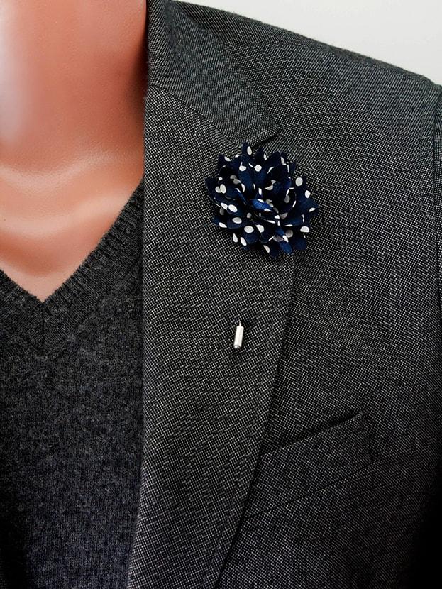 "Цветок в лацкан пиджака ""Navy / Dots"""